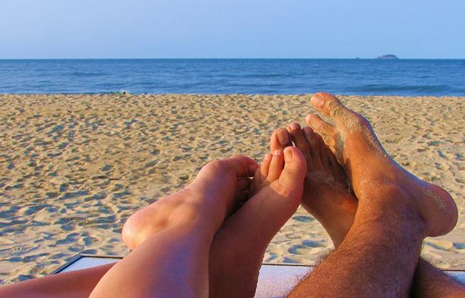 5_motivos-flor_da_pele-praia_do_rosa-hostel-albergue_explorer